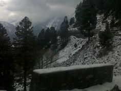 First snows of November 2011 on road to Gulmarg