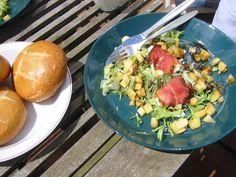 Verrukkelijke Salade Met Geitenkaas, Rauwe Ham En Appeltjes recept | Smulweb.nl