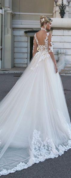 Alessandra Rinaudo 2017 Wedding Dresses - Belle The Magazine Gorgeous Wedding Dress, Beautiful Gowns, Elegant Wedding, Wedding Dresses 2018, Bridal Dresses, 2017 Wedding, Dream Dress, Bridal Collection, Bridal Style