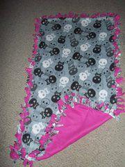 Pink and Skull Tie Blanket