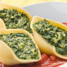 Muszle nadziewane szpinakiem z dodatkiem sera typu feta Heart Healthy Diet, Greens Recipe, Kitchen Recipes, Finger Foods, Vegetable Pizza, Feta, Food To Make, Food And Drink, Impreza