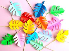 Rainbow leaves by BeColorAnd Jungle Theme Crafts, Truffula Trees, Pirate Theme, Colored Paper, Tropical Leaves, Classroom Themes, Baby Birthday, Paper Crafting, Rainbow Colors