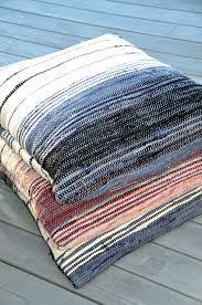 Huset i Lunden: Filleryeputer og bruktfunn Loom Weaving, Hand Weaving, Weaving Textiles, Cushions, Pillows, T Shirt Yarn, Personalized T Shirts, Woven Rug, Cushion Covers