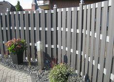 Wood requires far more maintenance than WPC Fence . Composite material WPC Fence only needs to be cleaned periodically to keep it from looking dirty or washed out. Termite Damage, Termite Control, Cheap Privacy Fence, Fence Prices, Wood Plastic, Composite Fencing, Low Maintenance Backyard, Patio, Landscaping