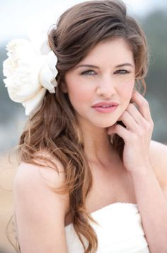 Wedding hair, with flower and no veil?
