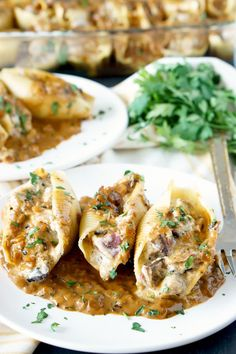 Chicken Marsala Stuffed Shells with Creamy Marsala Sauce. It's everything you love about the classic dish but in delectable stuffed shell-form! Steak Gorgonzola, Marsala Sauce, Chicken Marsala, Stuffed Shells, Dinner Parties, Chicken Wings, New Recipes, Chicken Recipes, Appetizers
