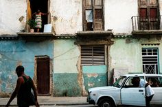 By pure chance, street photography duo Dom and Liam–a sister and brother pair that makes upYork Place Studios–chose to visit Havana, Cuba during the country's first visit by a sitting U.S. President in 90 years. Their stunning, colorful images manage to capture the expectancy and excitement that brimmed along the streets of the city during …