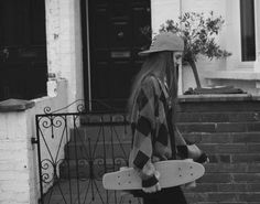 Pennyboard skating -Phoebe-élena by Piczo