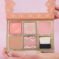 Benefit Cosmetics Blush Bar Cheek Palette combines its best-selling bronzers and blushes giving you everything you need to contour, highlight, and define your features. Psst, this is a limited edition product so jump on this deal before it's gone!