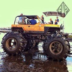 Big Jeep mud truck