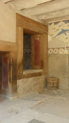 Palace at Knossos; Queen's Room