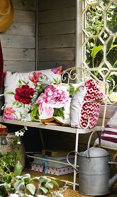 I think a pretty pillow would look lovely in any garden. Style Cottage Anglais, Cottage Style, Outdoor Rooms, Outdoor Gardens, Outdoor Decor, Outdoor Lighting, Jardin Decor, Vibeke Design, Cottage Garden Design