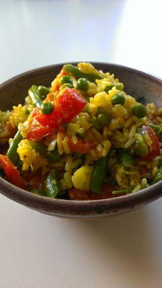 Sinah mischte TK-Gemüse mit Reis, Curry und Erdnussmus und heraus kam dieser leckere Reissalat!