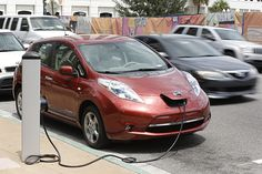 Electric cars vs. plug-in hybrids: What's the difference?