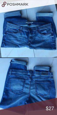 DKNY Bleeker Boyfriend Jeans, Sz 8 NWOT, cute! ✨🌟 DKNY Bleeker Boyfriend Jeans, Sz 8 NWOT, cute! ✨🌟 Just tried on. Like new! DKNY Jeans Boyfriend