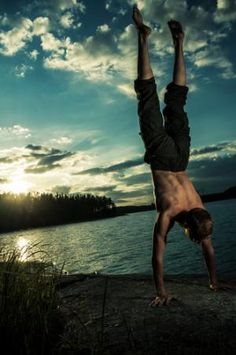 How to Work Up to a Freestanding Handstand   Breaking Muscle