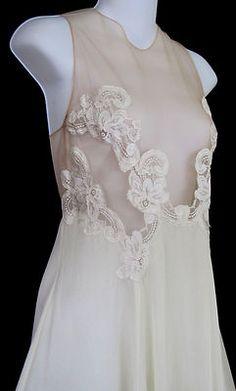 Beautiful vintage nightgown!!