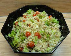Nabízím recept na salát z bulguru, který přijde vhod jako lehký oběd nebo večeře v parných letních dnech. Bulgur se vyrábí z nalámaných Vegetarian Recipes, Cooking Recipes, Polenta, Quinoa, Fried Rice, Salads, Food And Drink, Lunch, Ethnic Recipes