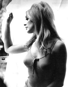 Sharon Tate by Tony Grylla Sharon Tate, Hollywood Actresses, Actors & Actresses, Most Beautiful Women, Beautiful People, Charles Manson, Star Wars, Roman Polanski, Vintage Hollywood