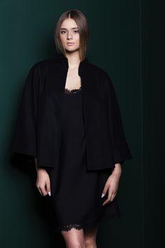 Elegant black woolen cape for outings <3   #black #minimal #coat #black #cape #2016 #kimonoinspired #kimono