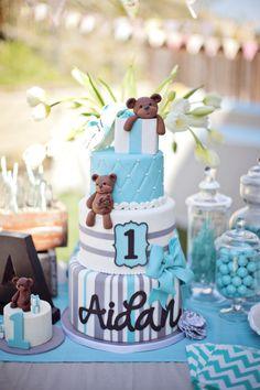 teddy+bear+and+rabbit+stuffed+animal+birthday+cakes | Aidan's parents designed an extra special birthday cake for him ...