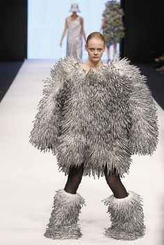 Bjorn to be wild: The weird world of Swedish haute couture Bad Fashion, Fashion Fail, Weird Fashion, Funny Fashion, Fashion Today, Latest Fashion, High Fashion, Ugly Dresses, Ugly Outfits