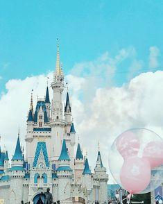 Disney world Cinderella castle ballon Mickey Mouse photo