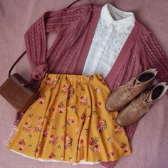 I want to wear this every day.  White blouse + pink cardigan + floral mustard skirt