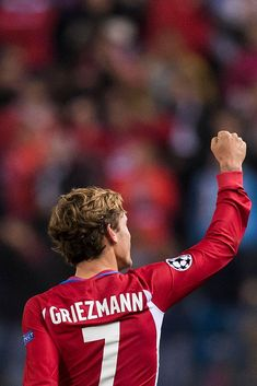 Antoine Griezmann of Atletico de Madrid celebrates after scoring during their UEFA Champions League match between Atletico Madrid and FC Rostov at the Vicente Calderon Stadium on 01 November. Get premium, high resolution news photos at Getty Images Antoine Griezmann, Atletico Madrid Logo, Real Madrid Wallpapers, Boy Celebrities, Sports Images, Uefa Champions League, Fc Barcelona, Football Players