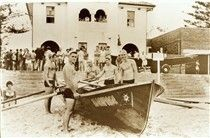 Dee Why Beach Surf Life Saving Club - boat and crew in 1963. 🌹