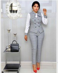 Office Wear Ideas For Ladies - corporate attire women Office Outfits For Ladies, Classy Work Outfits, Business Casual Outfits, Work Casual, Business Attire, Casual Wear, Office Wear Dresses, Business Chic, Corporate Attire