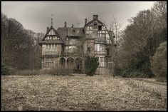 Mansion , The Netherlands.. the picture is spooky, but the house is beautiful