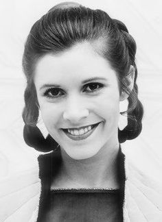Carrie Fisher as Princess Leia Harison Ford, Carrie Frances Fisher, Star Wars Cast, Star Trek, Princesa Leia, Han And Leia, Leila, Star Wars Pictures, Star Wars Girls