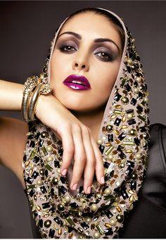 Glitter and Gold Headdress, Headpiece, Eye Make Up, Headband Hairstyles, Hair Comb, Flower Crown, Gold Glitter, Stylists, Editorial