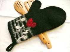 Handmade Felted Oven Mitt by AtTheDoor on Etsy, $24.50