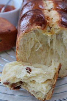 Brioche with Raisins Cooking Chef, Cooking Recipes, Bread Bun, Bread And Pastries, Sweet Bread, Bread Baking, Love Food, Baked Goods, Sweet Recipes