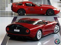Alfa Romeo TZ3 Stradale - agresywny wygląd, potężny 8,4-litrowy silnik V10 o mocy 640 KM i tylko 9 wyprodukowanych egzemplarzy!