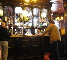 Ye Olde English pub ...