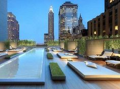 Manhattan Penthouse with rooftop deck n pool. Gracious living at its best New York Penthouse, Duplex New York, Manhattan Penthouse, Luxury Penthouse, Penthouse Suite, Penthouse Apartment, Interior Exterior, Exterior Design, Villa
