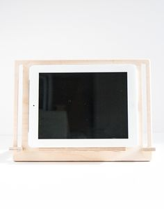 Wooden tablet stand. Suitable for tablet, e-book and books. Detachable and recyclable. barcelona-original-designs