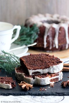 Christmas & juicy: gingerbread- Weihnachtlich & saftig: Gewürzkuchen Spice Cake ♥ ️ Rightly one of the most popular … - Food Cakes, Dessert Oreo, Dessert Recipes, Cupcake Recipes, Bolo Cake, Gateaux Cake, Winter Desserts, Spice Cake, Most Popular Recipes