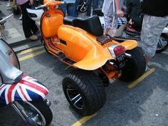 - Motorcycle Sport Leisure and Culture. Vespa Lambretta, Vespa Scooters, Honda Motorcycles, Custom Motorcycles, Sidecar, Custom Trikes, Scooter Motorcycle, Trike Scooter, Drift Trike