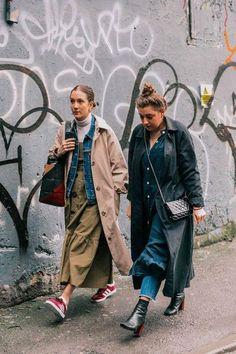 London Fashion Week Fall 2018 Best Street Style Looks - moda - Street Style Outfits, Look Street Style, Street Outfit, Mode Outfits, Street Chic, Fashion Outfits, Fasion, Photoshoot Fashion, Street Style Women