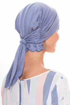 Our Boho Scarves are expertly made to provide total head coverage for women with hair loss due to cancer, chemotherapy, alopecia, or other types of medical hair loss conditions. The soothing material of this pre tied scarf feels smooth to the touch a Head Scarf Tying, Head Wrap Scarf, Head Scarfs, Hipster Fashion Style, Mens Fashion, Fashion Tips, Boho, Scarves For Cancer Patients, Head Wraps For Women