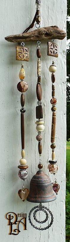 Looking for the cutest and the best wind chimes for your nest? We have collected you all the internet-loved wind chimes to accessorize your home with. Woodworking Projects Diy, Teds Woodworking, Carillons Diy, Diy Projects To Try, Project Ideas, Diy Wind Chimes, Driftwood Crafts, Creation Deco, Garden Crafts