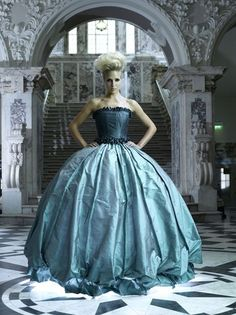 Am I the only girl who would be perfectly happy in a ball gown every single day??