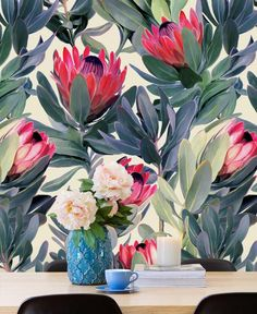 Painted Protea Pattern als Tapete