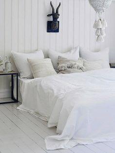 blanco, blanco, blanco...   #dormitorios #bedroom #white_bedroom