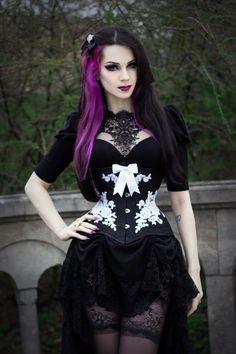 Beautiful Dark Red Gothic Hair on Model Milena Grbovic! Punk Girls, Hot Goth Girls, Gothic Girls, Gothic Dress, Gothic Outfits, Gothic Lolita, Gothic Hair, Goth Beauty, Dark Beauty