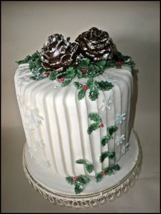 Winter - by timefortiffin @ CakesDecor.com - cake decorating website